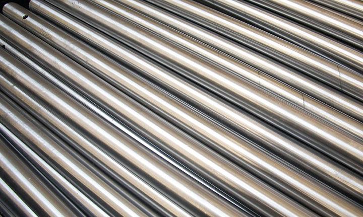 Pulido de metales. tubos tras pulido