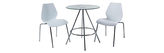 Inicio. sillas y mesa cromadas