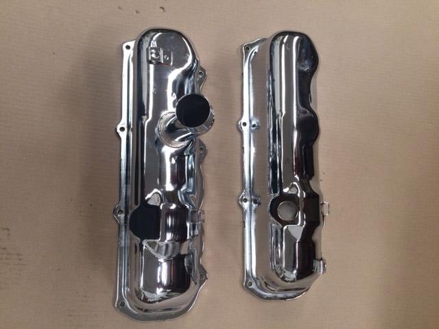 Restauración de tubos de escape de coches antiguos y otras piezas