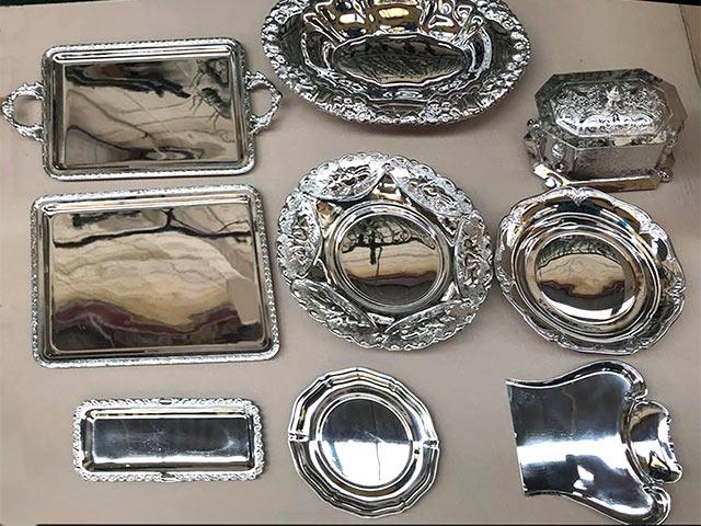 Restauración de bandejas y tetera con baño de níquel